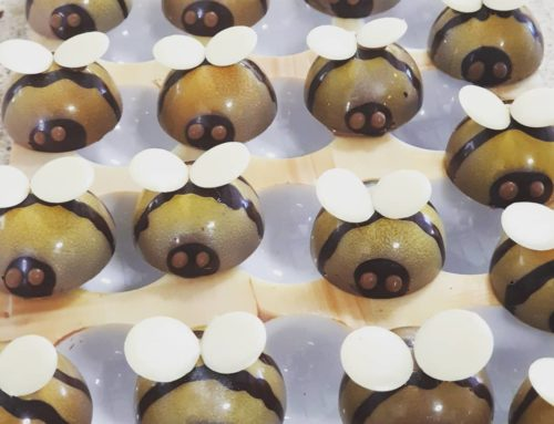 Bee-autiful wedding favours