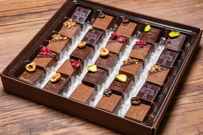 25 Handcrafted Praline Chocolates